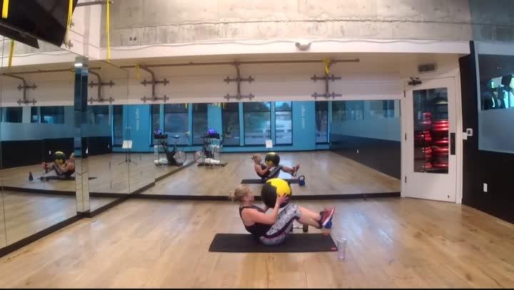 Fitness Bite 4 - Full Body - 20 minutes - Nikki
